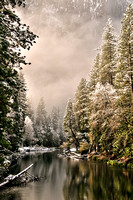 Y44-Morning-Light-on-the-Merced-River,-Yosemite