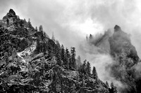 Y12-Out-of-the-Mist,-Yosemite